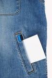τα τζιν καρτών σημειώνουν το λευκό τσεπών Στοκ εικόνες με δικαίωμα ελεύθερης χρήσης