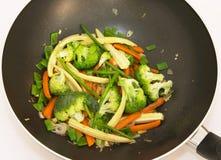 τα τηγανητά ανακατώνουν wok στοκ φωτογραφία με δικαίωμα ελεύθερης χρήσης