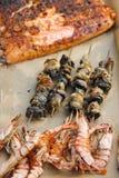 Τα τηγανισμένα θαλασσινά είχαν πάρει ακριβώς από την πυρκαγιά Στοκ φωτογραφία με δικαίωμα ελεύθερης χρήσης