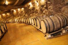 τα τρισδιάστατα βαρέλια ανασκόπησης διαμορφώνουν το άσπρο κρασί στοκ φωτογραφίες με δικαίωμα ελεύθερης χρήσης
