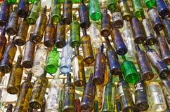 τα τρισδιάστατα μπουκάλια διαμορφώνουν το άσπρο κρασί Στοκ εικόνα με δικαίωμα ελεύθερης χρήσης