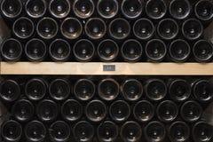 τα τρισδιάστατα μπουκάλια διαμορφώνουν το άσπρο κρασί Στοκ Εικόνες