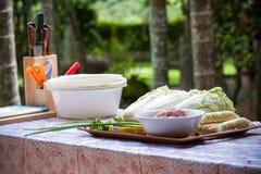 τα τρόφιμα προετοιμάζοντα Στοκ Εικόνες