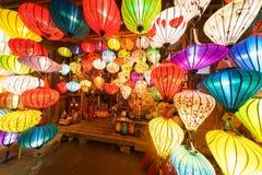 Τα φανάρια στην παλαιά πόλη ψωνίζουν σε Hoi, Βιετνάμ Στοκ εικόνες με δικαίωμα ελεύθερης χρήσης