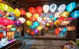Τα φανάρια στην παλαιά πόλη ψωνίζουν σε Hoi, Βιετνάμ Στοκ Εικόνες