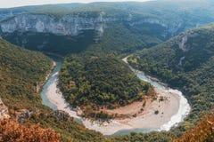 Τα φαράγγια de Ardeche αποτελούνται από μια σειρά φαραγγιών στον ποταμό Ardeche, Γαλλία Στοκ φωτογραφία με δικαίωμα ελεύθερης χρήσης
