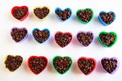 Τα φασόλια καφέ στην καρδιά διαμορφώνουν τις φόρμες Στοκ εικόνα με δικαίωμα ελεύθερης χρήσης
