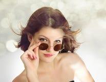 τα φοβιτσιάρη γυαλιά κορ& Στοκ Φωτογραφία