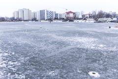 Τα φρεάτια στον πάγο για να πιάσει τα ψάρια Στοκ φωτογραφίες με δικαίωμα ελεύθερης χρήσης