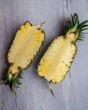 Τα φρούτα ανανά στοκ εικόνα