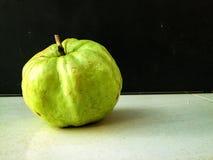 Τα φρούτα γκοϋαβών είναι διατροφή και υγιεινά τρόφιμα Στοκ εικόνες με δικαίωμα ελεύθερης χρήσης