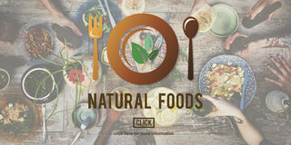 Τα φυσικά τρόφιμα τρώνε καλά την καλή έννοια γευματιζόντων συντήρησης Στοκ Φωτογραφίες