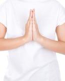 Τα χέρια γυναικών κρατούν ότι τα χέρια είναι μαζί προσευχή συμβόλων Στοκ εικόνες με δικαίωμα ελεύθερης χρήσης