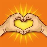 Τα χέρια διαμορφώνουν μια καρδιά Στοκ φωτογραφία με δικαίωμα ελεύθερης χρήσης