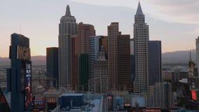 Τα χαρακτηριστικά κτήρια του ξενοδοχείου της Νέας Υόρκης της Νέας Υόρκης στο Λας Βέγκας - ΗΠΑ 2017 απόθεμα βίντεο