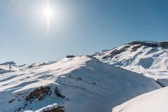 Τα χειμερινά βουνά στη gusar περιοχή του Αζερμπαϊτζάν Στοκ Εικόνες