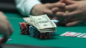 Τα χρήματα και το διαμέρισμα στοιχημάτισης φορέων πόκερ, πηγαίνουν έννοια με όλα συμπεριλαμβανόμενα, εθισμού κινδύνου απόθεμα βίντεο