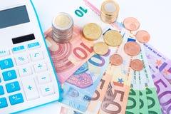 τα χρήματα σώζουν Στοκ εικόνα με δικαίωμα ελεύθερης χρήσης