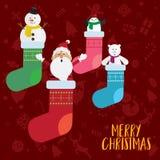 Τα Χριστούγεννα Άγιος Βασίλης αντέχουν και χιονάνθρωπος στο διάνυσμα καλτσών διανυσματική απεικόνιση
