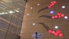 τα Χριστούγεννα διακοσμούν τις φρέσκες βασικές ιδέες διακοσμήσεων απόθεμα βίντεο