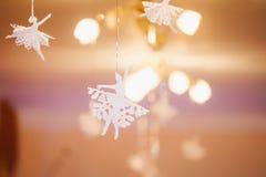 τα Χριστούγεννα διακοσμούν τις φρέσκες βασικές ιδέες διακοσμήσεων Στοκ Εικόνες