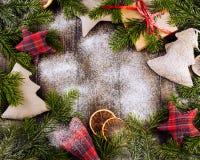 τα Χριστούγεννα διακοσμούν τις φρέσκες βασικές ιδέες διακοσμήσεων Τρύγος Στοκ φωτογραφίες με δικαίωμα ελεύθερης χρήσης