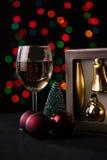 τα Χριστούγεννα διακοσμούν τις φρέσκες βασικές ιδέες διακοσμήσεων background blurred lights Στοκ Φωτογραφία