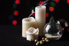 τα Χριστούγεννα διακοσμούν τις φρέσκες βασικές ιδέες διακοσμήσεων background blurred lights Στοκ εικόνες με δικαίωμα ελεύθερης χρήσης