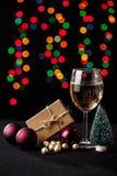 τα Χριστούγεννα διακοσμούν τις φρέσκες βασικές ιδέες διακοσμήσεων background blurred lights Στοκ Εικόνα