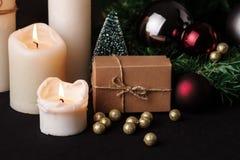 τα Χριστούγεννα διακοσμούν τις φρέσκες βασικές ιδέες διακοσμήσεων background blurred lights Στοκ φωτογραφίες με δικαίωμα ελεύθερης χρήσης