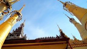 Τα χρυσά stupas του πανδοχείου Thein, το Μιανμάρ απόθεμα βίντεο
