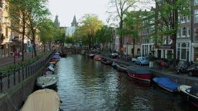 Τα όμορφα κανάλια στο κέντρο πόλεων του Άμστερνταμ - του ΑΜΣΤΕΡΝΤΑΜ - οι ΚΑΤΩ ΧΏΡΕΣ - 19 Ιουλίου 2017 Στοκ Εικόνα