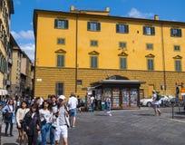 Τα όμορφα κτήρια στην πλατεία Pitti στη Φλωρεντία - ιταλικό ύφος - ΦΛΩΡΕΝΤΙΑ/ΙΤΑΛΙΑ - 12 Σεπτεμβρίου 2017 Στοκ φωτογραφία με δικαίωμα ελεύθερης χρήσης
