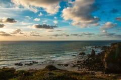 Τα όμορφα τοπία του ίχνους ψαράδων ` s σύρουν το Αλεντέιο, ίχνος Πορτογαλία πεζοπορίας Vicentina αλλαγής βάρδιας Στοκ Φωτογραφίες