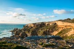 Τα όμορφα τοπία του ίχνους ψαράδων ` s σύρουν το Αλεντέιο, ίχνος Πορτογαλία πεζοπορίας Vicentina αλλαγής βάρδιας Στοκ Εικόνες