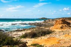 Τα όμορφα τοπία του ίχνους ψαράδων ` s σύρουν το Αλεντέιο, ίχνος Πορτογαλία πεζοπορίας Vicentina αλλαγής βάρδιας Στοκ Φωτογραφία