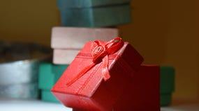 Τα δώρα και παρουσιάζουν στοκ εικόνες