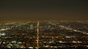Τα citylights του Λος Άντζελες τή νύχτα - εναέρια άποψη φιλμ μικρού μήκους