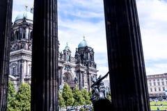 Τα DOM Deutscher που είναι ο προτεσταντικός καθεδρικός ναός στο Βερολίνο Γερμανία Στοκ εικόνα με δικαίωμα ελεύθερης χρήσης