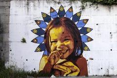 Τα murales με το διάτρητο χρησιμοποιούν σε Airola Ιταλία στοκ φωτογραφία με δικαίωμα ελεύθερης χρήσης