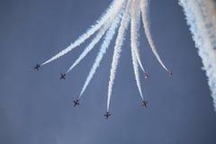 Τα RAF κόκκινα βέλη επιδεικνύουν την ομάδα Στοκ φωτογραφίες με δικαίωμα ελεύθερης χρήσης