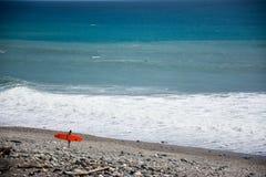 Τα surfers κόλπων Στοκ φωτογραφίες με δικαίωμα ελεύθερης χρήσης