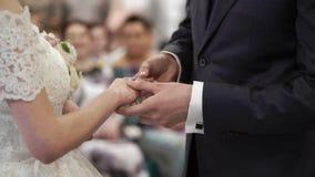 Τεθειμένος στο γαμήλιο δαχτυλίδι φιλμ μικρού μήκους