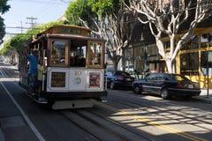Τελεφερίκ Σαν Φρανσίσκο με τους ανθρώπους Καλιφόρνια Ηνωμένες Πολιτείες Στοκ Εικόνες