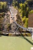 Τελεφερίκ σιδηρόδρομος που συνδέει το χωριό Stoos και την πόλη Schwyz στην Ελβετία Χαμηλότερος τελεφερίκ σιδηρόδρομος σταθμών στοκ εικόνα με δικαίωμα ελεύθερης χρήσης