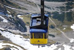 Τελεφερίκ στο βουνό Dachstein από Ramsau Στοκ φωτογραφία με δικαίωμα ελεύθερης χρήσης