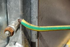Τελικός φραγμός για τα ηλεκτρικά τερματικά σύνδεσης και επιχωμάτωσης για να στηρίξει Στοκ εικόνα με δικαίωμα ελεύθερης χρήσης