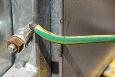 Τελικός φραγμός για τα ηλεκτρικά τερματικά σύνδεσης και επιχωμάτωσης για να στηρίξει Στοκ Εικόνες