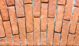 Τεμάχιο ενός τούβλινου τοίχου με μια αψίδα στοκ εικόνα με δικαίωμα ελεύθερης χρήσης