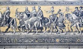 Τεμάχιο μιας κεραμωμένης πομπής επιτροπής τοίχων των πριγκήπων Στοκ φωτογραφία με δικαίωμα ελεύθερης χρήσης